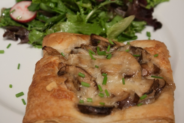 20140604_Mushroom and Gruyere Tarts_IMG_7559_edited-1