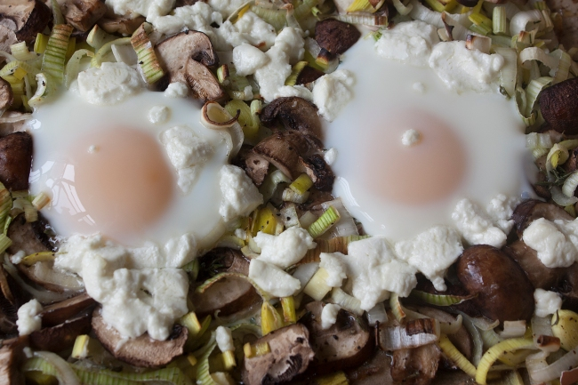 20150605_Baked Eggs with Mushrooms and Leeks_IMG_9423_edited-1